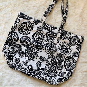 Handbags - Weekender Tote Bag Black White Floral